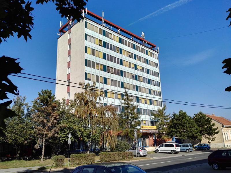 Sídlo spoločnosti v Lučenci. (križovatka ulíc Železničná a M.Rázusa)
